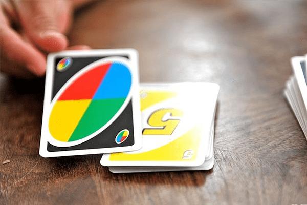 Các chơi bài UNO - Lá Wildcard